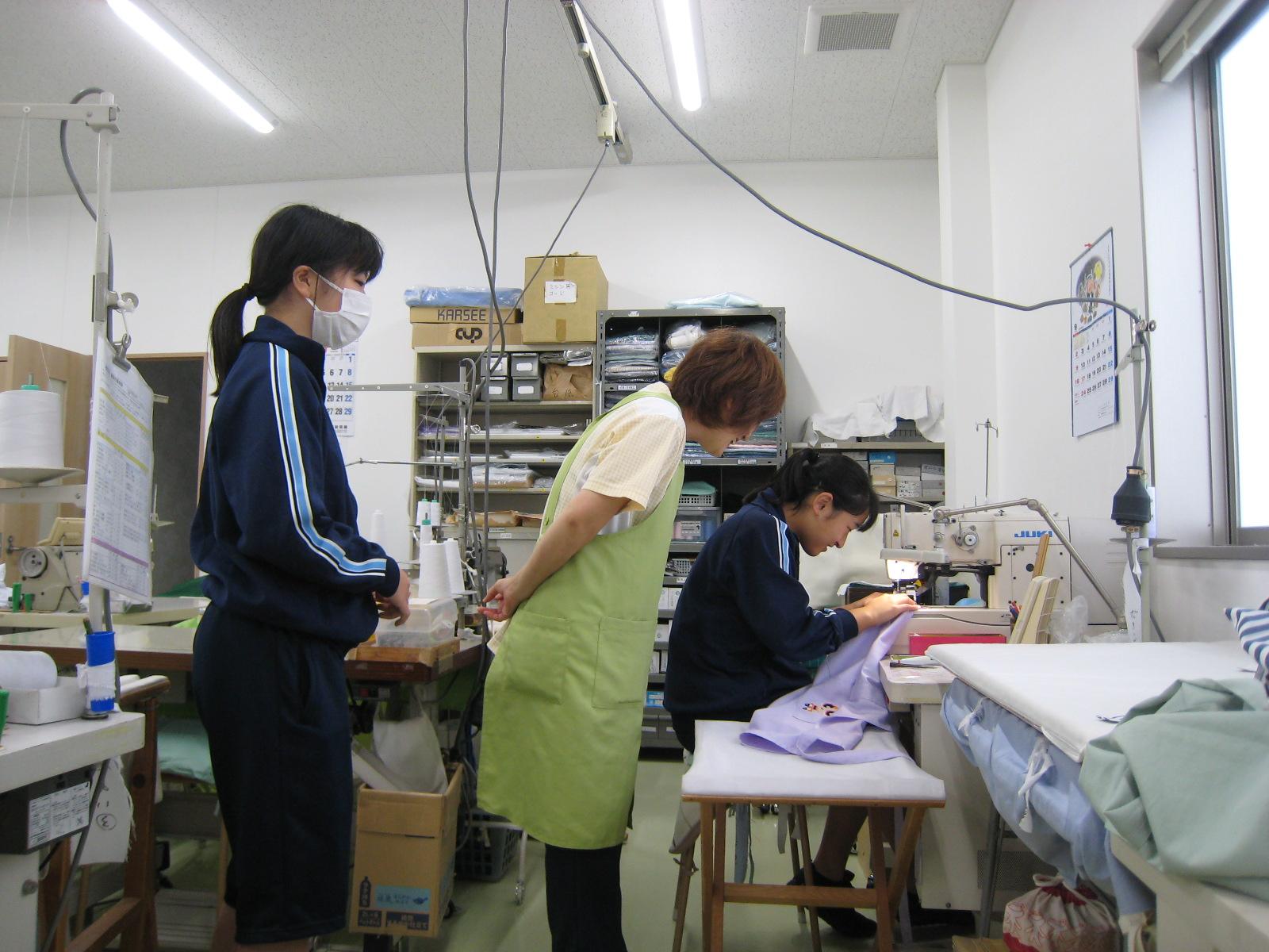 中学生の職場体験実習の様子 クラユニ